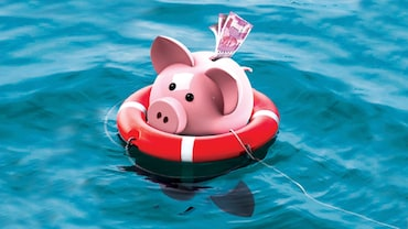 Keep your Money Disaster-Proof! Expert Advice on keeping your money safe in troubled times