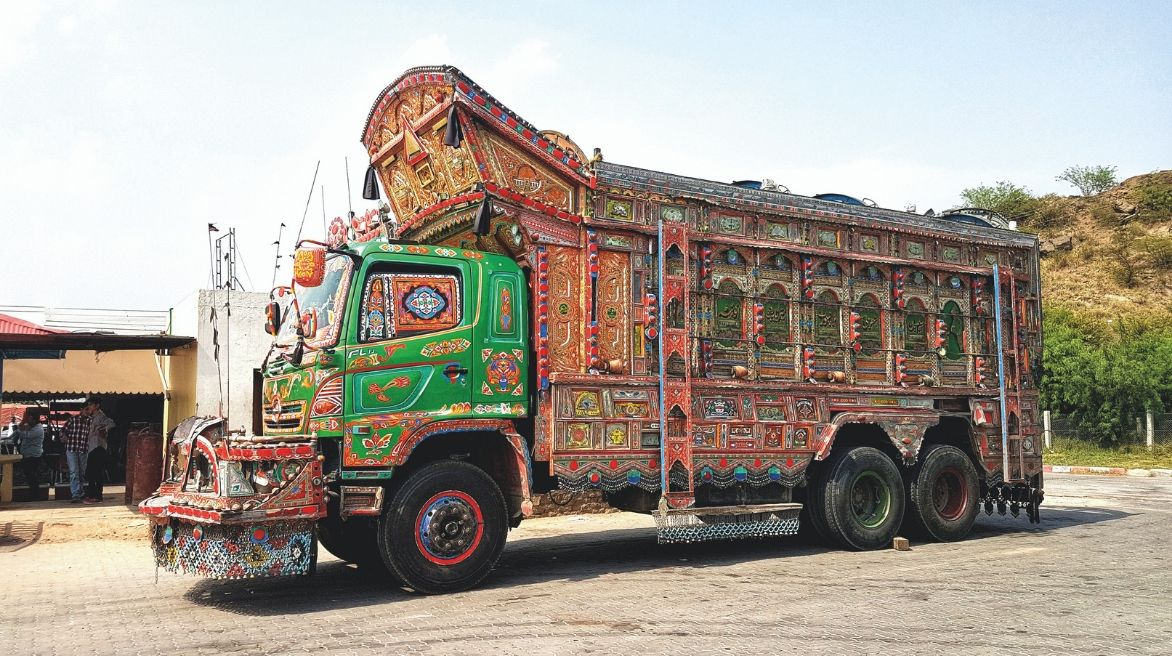 truck-pakistan_082319023921.jpg