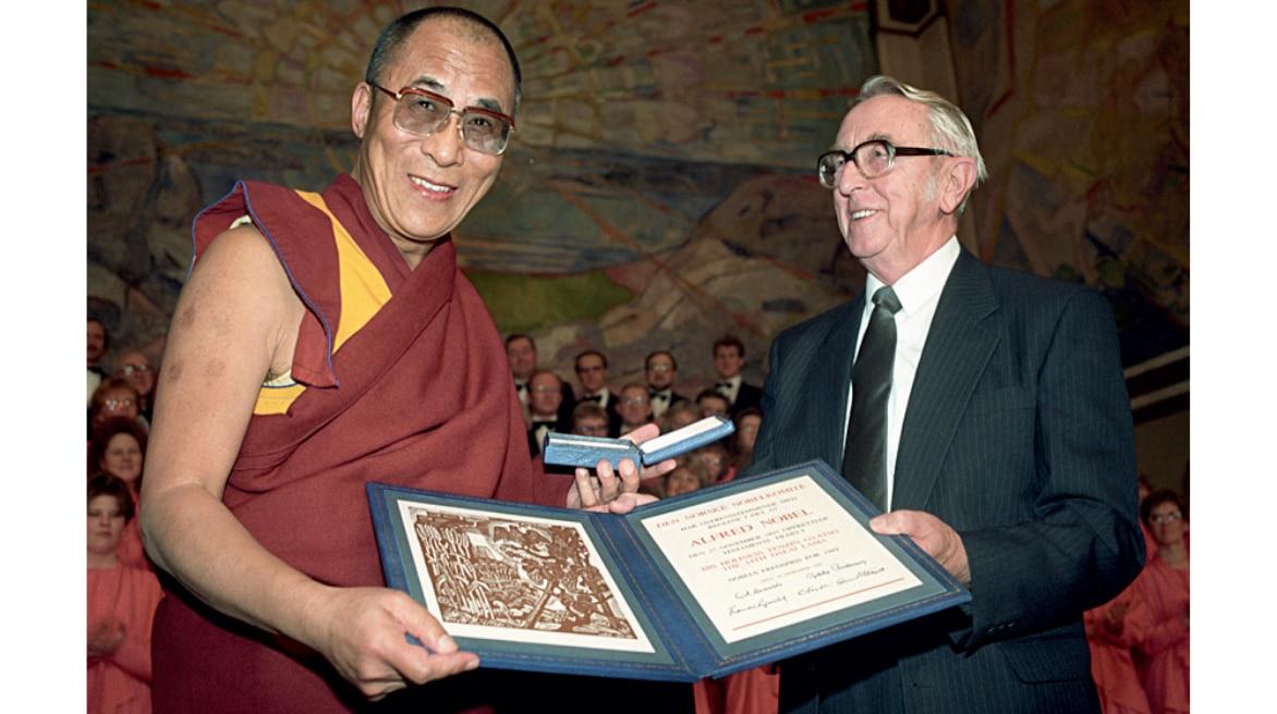 dalai-lama-nobel-prize_031420013323.png