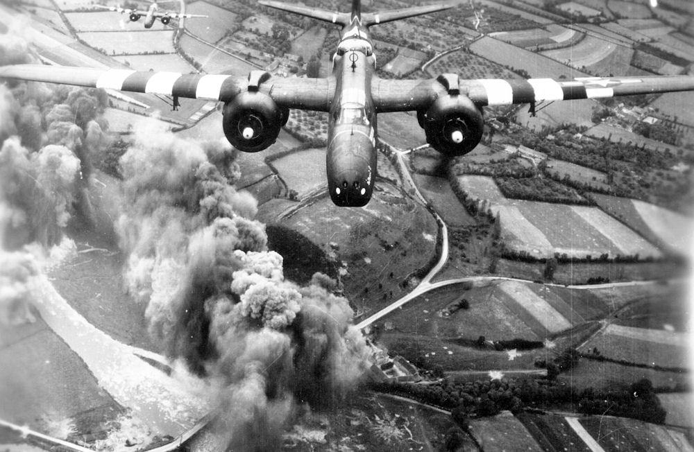 a-bomber-plane_060620125533.jpg